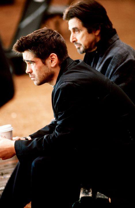Kaum aus dem Ausbildungscamp entlassen, rekrutiert CIA-Ausbilder Walter Burke (Al Pacino, r.) erneut James Clayton (Colin Farrell, l.). Er soll Layl... - Bildquelle: Kerry Hayes SPYGLASS ENTERTAINMENT GROUP.LP.ALL RIGHTS RESERVED