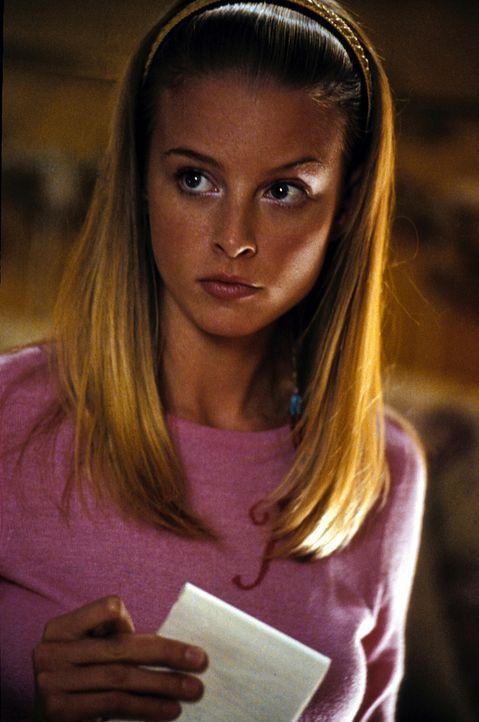 Jessica Matthews (Rachel Nichols), die Reporterin der Schulzeitung, kommt ihrem Direktor schnell auf die Schliche ... - Bildquelle: Warner Bros.
