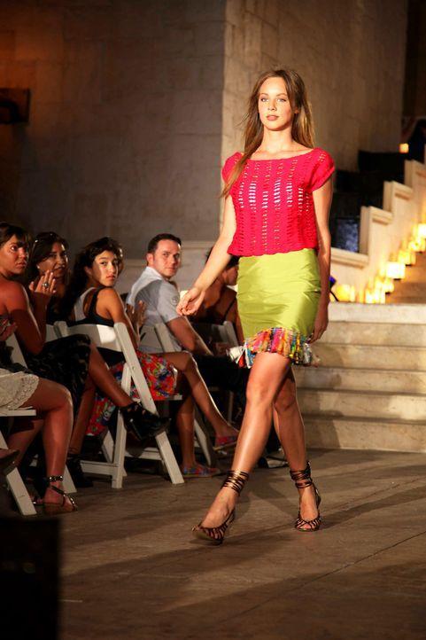 germanys-next-topmodel-stf07-epi09-fashionshow-035-prosiebenjpg 1333 x 2000 - Bildquelle: ProSieben