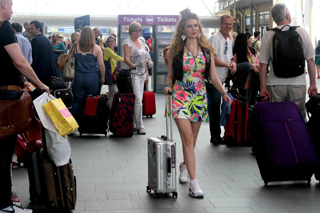 """Das Abenteuer kann beginnen: Palina Rojinski geht """"Offline"""" und macht einen Städtetrip nach London, ganz ohne Telefon, Facebook und Twitter ... - Bildquelle: ProSieben"""