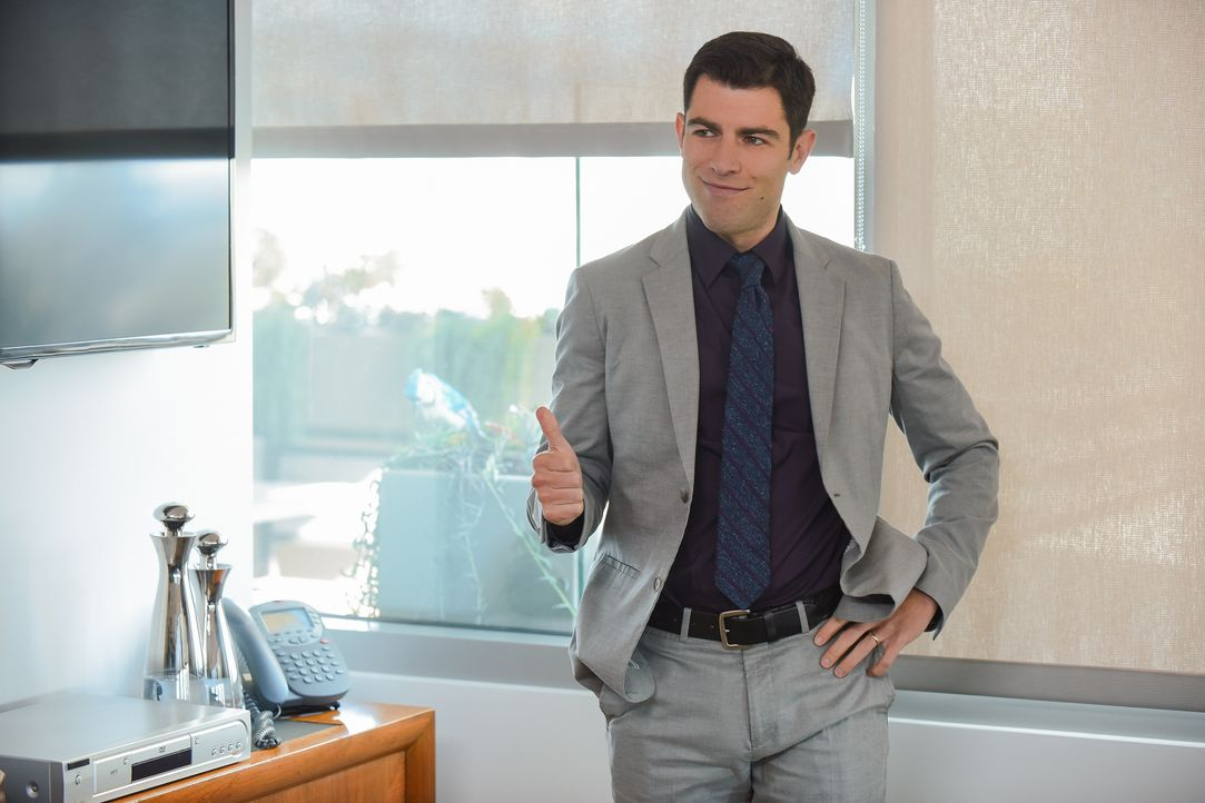 Während sich Schmidt (Max Greenfield) in seine neue Rolle als Chef einfinden muss, hat auch Jess mit dem zu kämpfen, was mit ihrem Job als Direktori... - Bildquelle: Ray Mickshaw 2017 Fox and its related entities. All rights reserved. / Ray Mickshaw