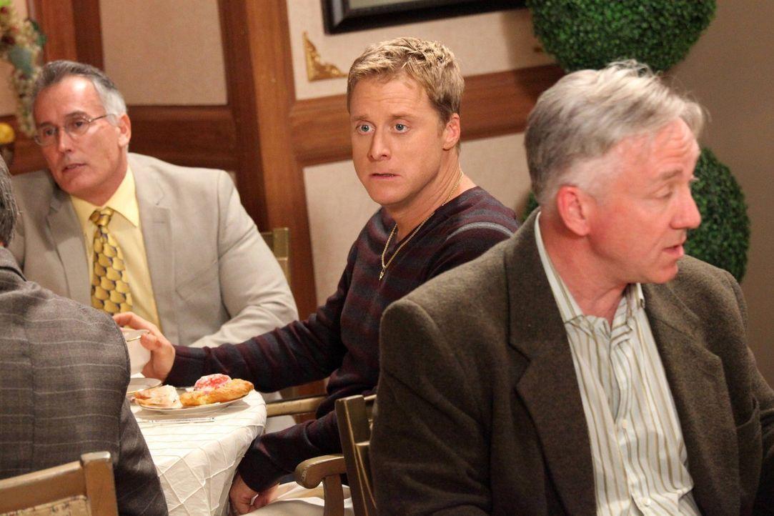Muss mit ansehen, wie Dallas aus dem Country Club geworfen wird: Noah (Alan Tudyk, M.) ... - Bildquelle: Warner Brothers