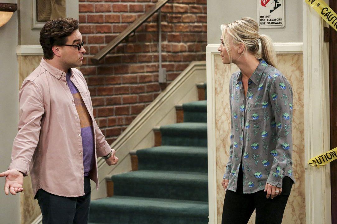 Ein sieben Jahre altes Video könnte die Beziehung zwischen Leonard (Johnny Galecki, l.) und Penny (Kaley Cuoco, r.) verändern ... - Bildquelle: Warner Bros. Television