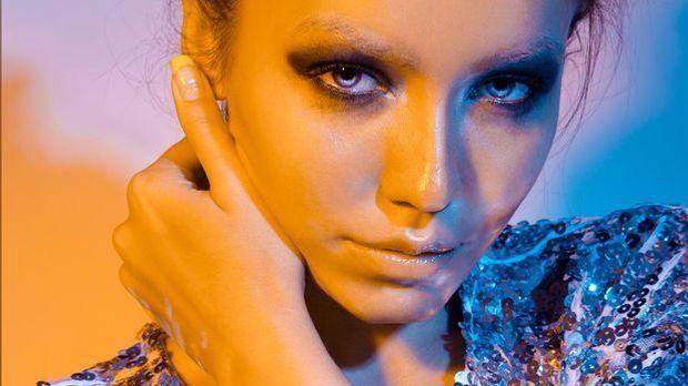 Smokey Eyes und/oder auffällig geschminkt – worauf du bei blauer Augenfarbe a...