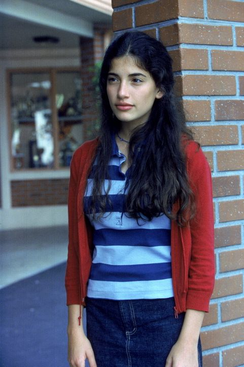 Cynthia (Tania Raymonde) beobachtet ihre neuen Mitschüler sehr genau. Malcolm ist ihr gleich am ersten Tag aufgefallen. - Bildquelle: TM +   Twentieth Century Fox Film Corporation. All Rights Reserved.