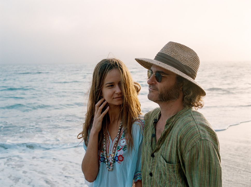 Inherent-Vice-08-Warner-Bros-Entertainment-Inc - Bildquelle: 2014 Warner Bros. Entertainment Inc