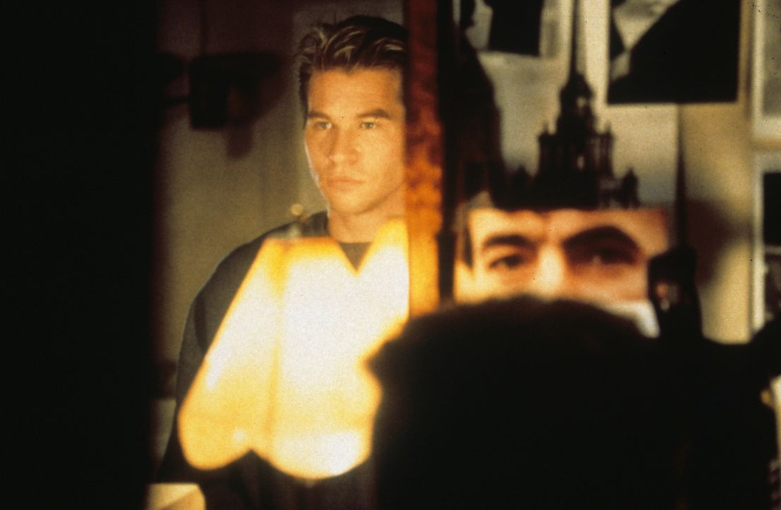 Bei seinen Einbrüchen nutzt Simon Templer (Val Kilmer) nicht nur seine besonderen Instinkte, sondern auch modernste Computertechnik ... - Bildquelle: Paramount Pictures