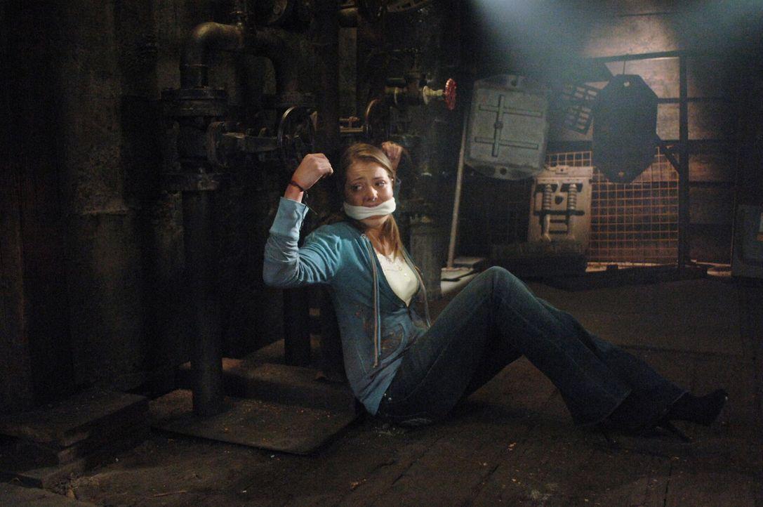 Was ist mit dem Mädchen (Natalia Minuta) geschehen? - Bildquelle: Warner Bros. Television