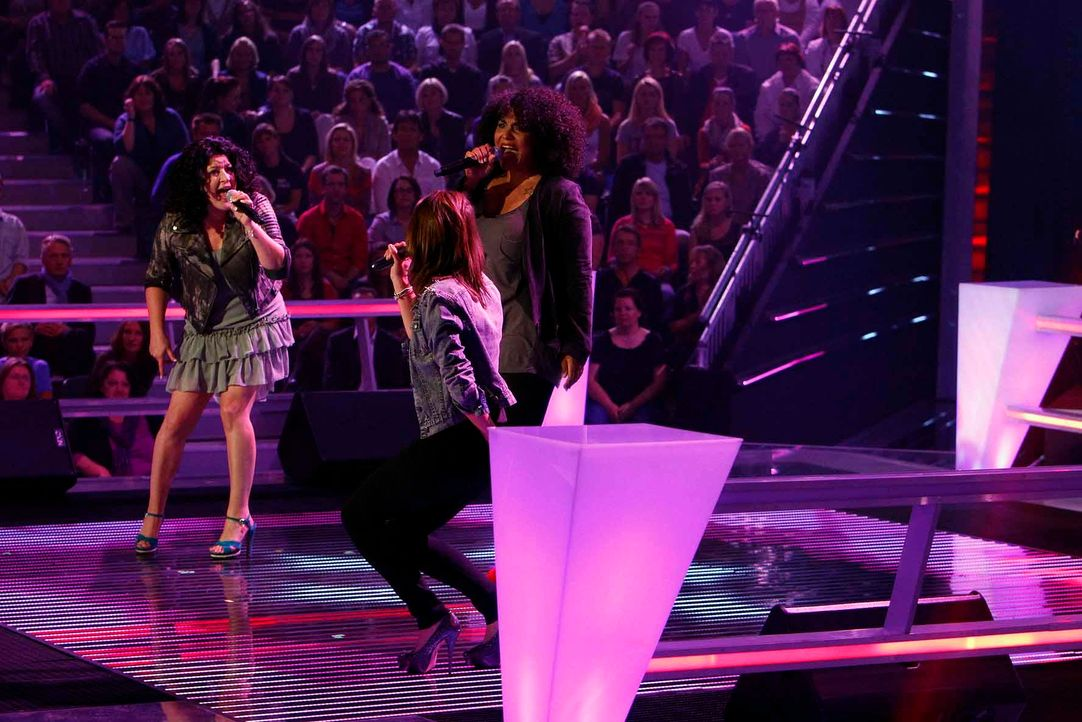 battle-mayamo-vs-tiffany-vs-madeleine-04-the-voice-of-germany-huebnerjpg 1775 x 1184 - Bildquelle: SAT.1/ProSieben/Richard Hübner