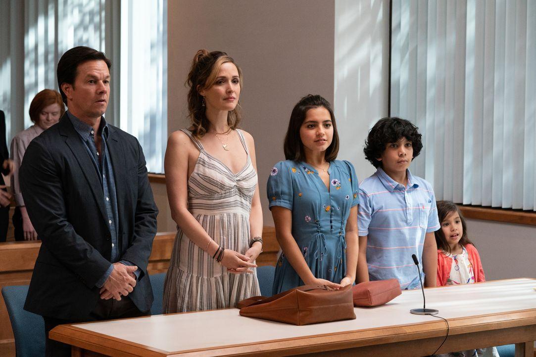 (v.l.n.r.) Pete (Mark Wahlberg); Ellie (Rose Byrne); Lizzy (Isabela Moner); Juan (Gustavo Quiroz); Lita (Julianna Gamiz) - Bildquelle: Hopper Stone 2018 Paramount Pictures. All rights reserved. / Hopper Stone
