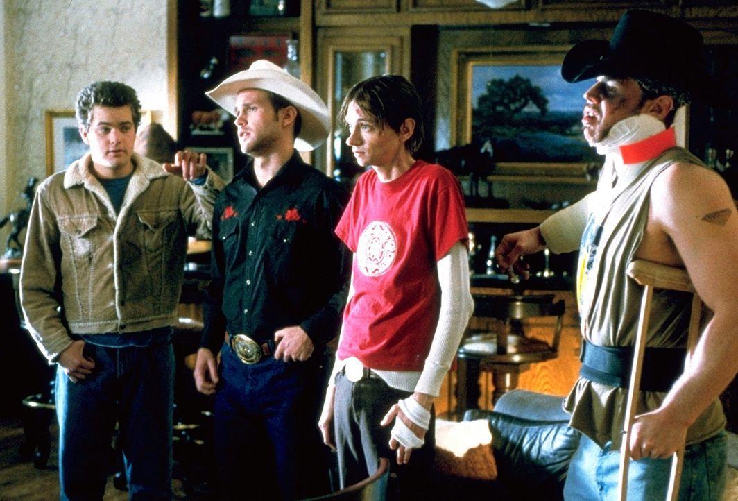 Immer wieder gerät Earl (Joshua Jackson, l.) wegen seiner Freunde Jimbo (Matthew Davis, 2.v.l.), Junior (D.J. Qualls, 2.v.r.) und Tinker (Ryan Hurs... - Bildquelle: TriStar Pictures