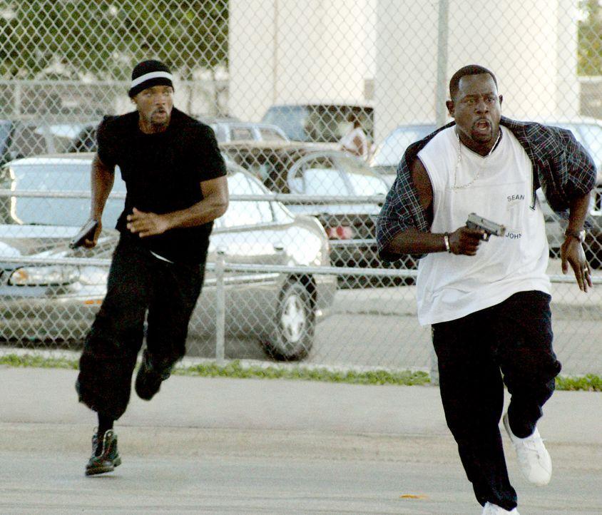 Im Kampf um Recht und Ordnung schlagen Marcus (Martin Lawrence, r.) und sein Partner Mike (Will Smith, l.) gelegentlich, aber dafür heftig über di... - Bildquelle: 2004 Sony Pictures Television International. All Rights reserved.
