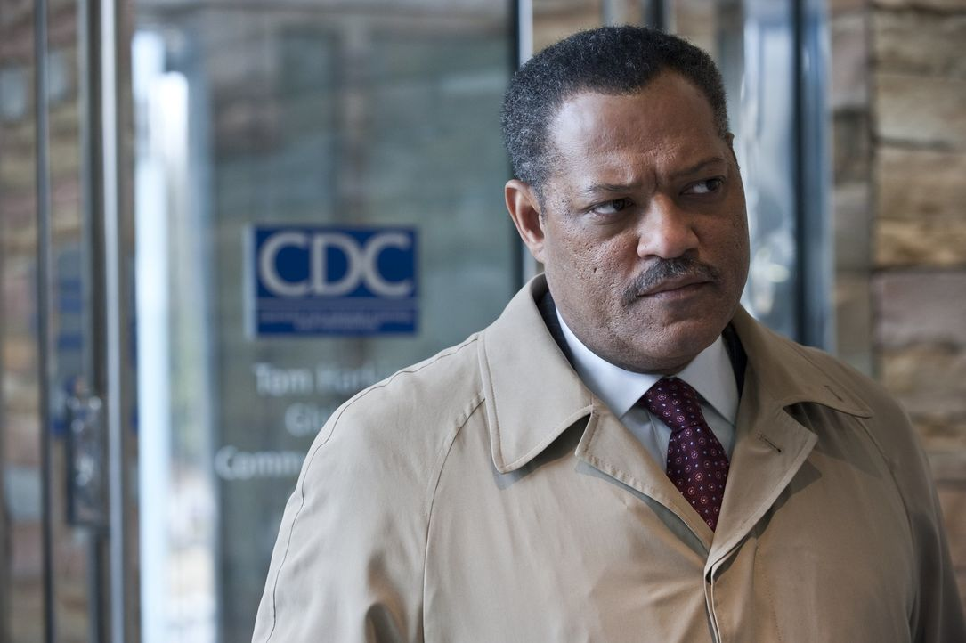 Dr. Ellis Cheever (Laurence Fishburne) - Bildquelle: Warner Bros. Entertainment Inc.