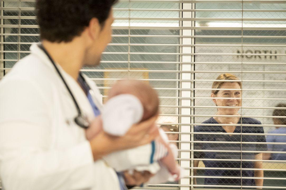 Dr. Andrew DeLuca (Giacomo Gianniotti, l.); Dr. Meredith Grey (Ellen Pompeo, r.) - Bildquelle: Jessica Brooks ABC Studios