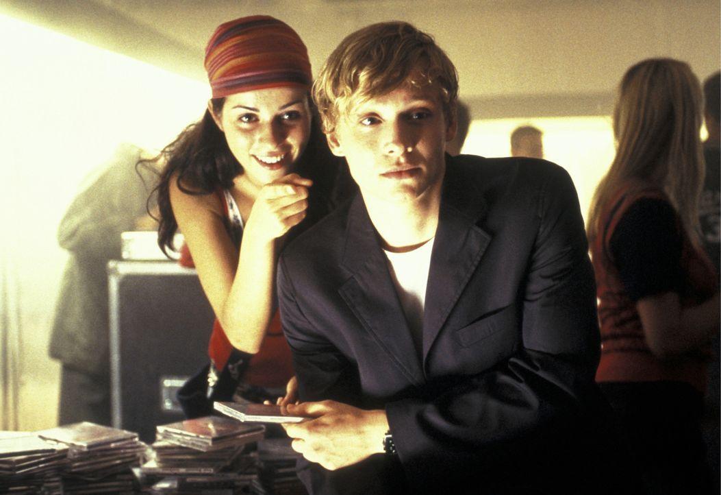 Erst als Katharina (Nora Tschirner, l.) ihm den Laufpass gibt, wird Ben (Matthias Schweighöfer, r.) bewusst, was er an ihr hatte ... - Bildquelle: Concorde Filmverleih GmbH