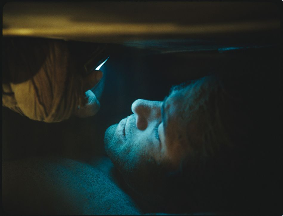 Paul Conroy (Ryan Reynolds) wurde lebendig begraben und weiß weder, wer ihm das angetan hat, noch warum. Seine einzige Chance, diesem Alptraum zu e... - Bildquelle: ASCOT ELITE Home Entertainment GmbH _Buried