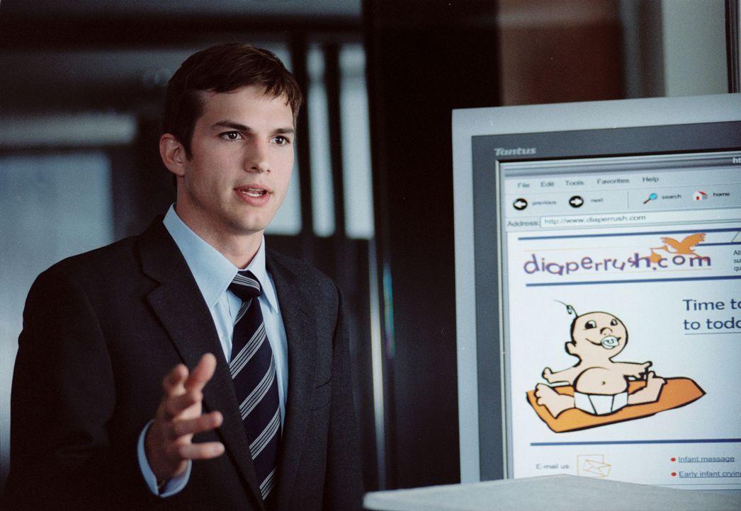Zunächst feiert Oliver (Ashton Kutcher) große Erfolge mit seiner Firma, doch dann ist die Pleite nicht mehr aufzuhalten. Da erwachen seine romanti... - Bildquelle: Touchstone Pictures. All rights reserved