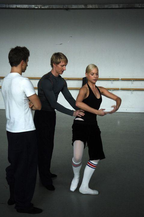 Ein hartes Training wartet auf den Ballett-Lehrer Cooper Nielson (Ethan Stiefel, M.), Naturtalent Tommy (Kenny Wormald, l.) und Suzanne (Sarah Jayne... - Bildquelle: Copyright   2008 Stage 6 Films, Inc. All Rights Reserved.