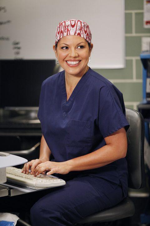 """Im Krankenhaus liegen Siamesische Zwillinge, die in einer aufwändigen OP getrennt werden sollen. Fast alle Ärzte beteiligen sich an dieser """"Jahrhu... - Bildquelle: ABC Studios"""