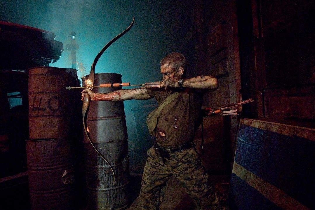 Von Kannibalen umzingelt: Dale (Henry Rollins) ...