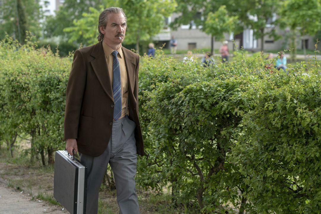 Anatoly Dyatlov (Paul Ritter) - Bildquelle: Liam Daniel Sky UK Ltd/HBO / Liam Daniel