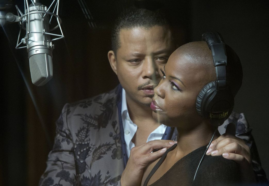 Er weiß, was man braucht, um alles aus seinen Künstlern herauszuholen: Lucious Lyon (Terrence Howard, l.) fordert Emotionen beim Singen ... - Bildquelle: 2015 Fox and its related entities.  All rights reserved.