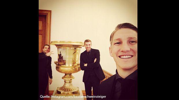 Bastian-Schweinsteiger-Schnappi-Instagram-com-bastianschweinsteiger - Bildquelle: Instagram.com/bastianschweinsteiger