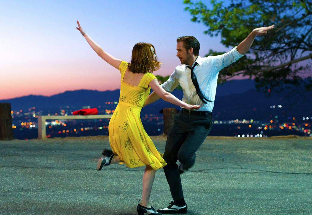 Mia (Emma Stone, l.); Sebastian (Ryan Gosling, r.) - Bildquelle: Dale Robinette 2016 Summit Entertainment, LLC. All Rights Reserved./ Dale Robinette