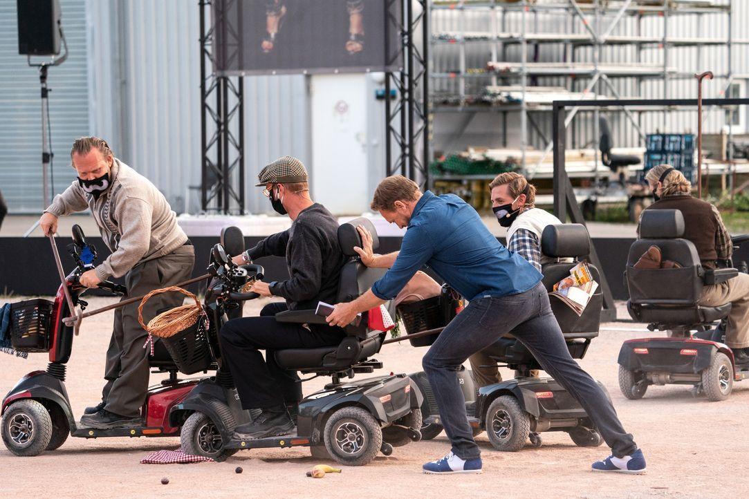 (v.l.n.r.) Axel Stein; Joko Winterscheidt; Steven Gätjen; Klaas Heufer-Umlauf; Paul Janke - Bildquelle: Jens Hartmann ProSieben / Jens Hartmann