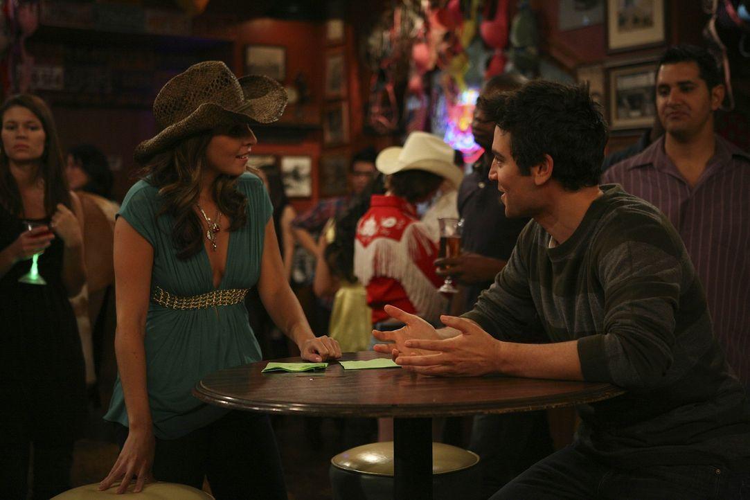 Jillian (Jamie-Lynn Sigler, l.) macht Ted (Josh Radnor, r.) ein verlockendes Angebot ... - Bildquelle: 20th Century Fox International Television