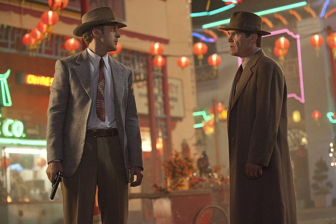 Eine kleine geheime Einheit von Außenseitern des LAPD unter der Leitung von Sgt. John O'Mara (Josh Brolin, r.) und Jerry Wooters (Ryan Gosling, l.),... - Bildquelle: Warner Brothers