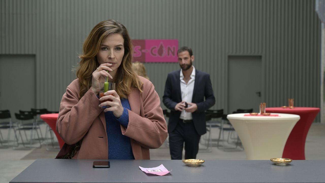 Eva Jordan (Katrin Bauerfeind, l.); Sebastian Wellmann (Matthias Weidenhöfer, r.) - Bildquelle: Christiane Pausch ProSieben / Christiane Pausch