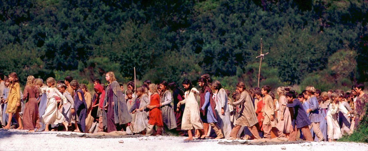 """Im Jahr 1212 nach Christus: 8.000 Kinder sind auf dem Weg von Köln über die Alpen nach Jerusalem, um die heilige Stadt von den """"Ungläubigen"""" zu befr... - Bildquelle: MFA+Filmdistribution"""