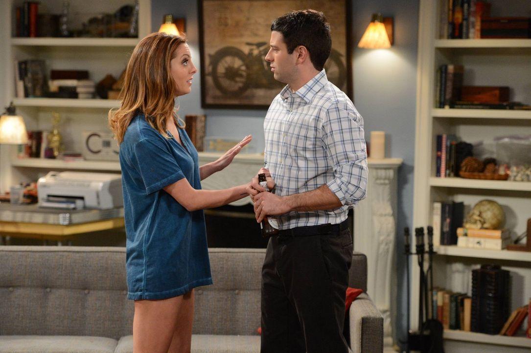 Warum benimmt sich Sabrina (Brent Morin, l.) Justin (Brent Morin, r.) gegenüber so ängstlich? - Bildquelle: Warner Brothers