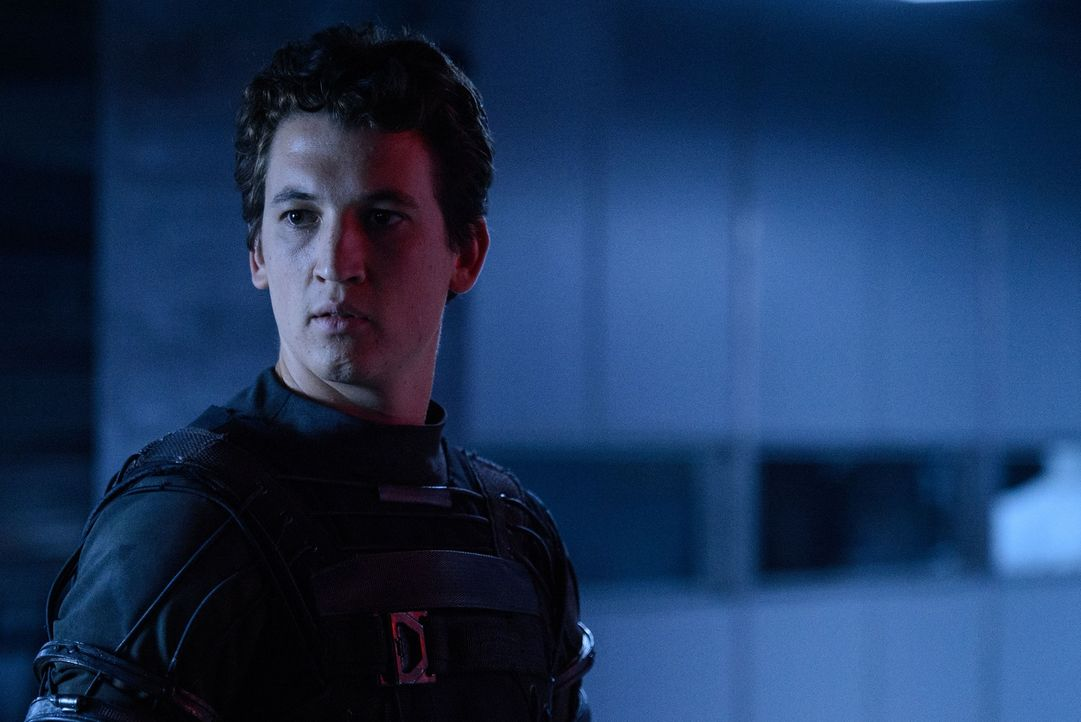 Nach der Reise durch ein Quantum Gate auf den Planeten Zero werden die Mitglieder aus Reeds (Miles Teller) Teams auf molekularer Ebene verändert. We... - Bildquelle: Ben Rothstein 2015 Constantin Film Verleih GmbH. TM &   2014 Marvel & Subs. TM and   2014 Twentieth Century Fox Film Corporation. All rights reserved. Not for sal