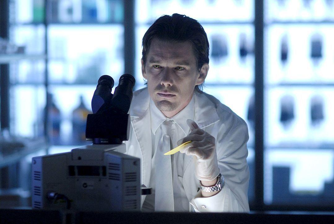 In der Zukunft ist die Menschheit fast komplett ausgerottet. Vampire beherrschen die Welt. Allerdings benötigen diese menschliches Blut, um zu übe... - Bildquelle: 2010 Tiberius Film GmbH & Co. KG