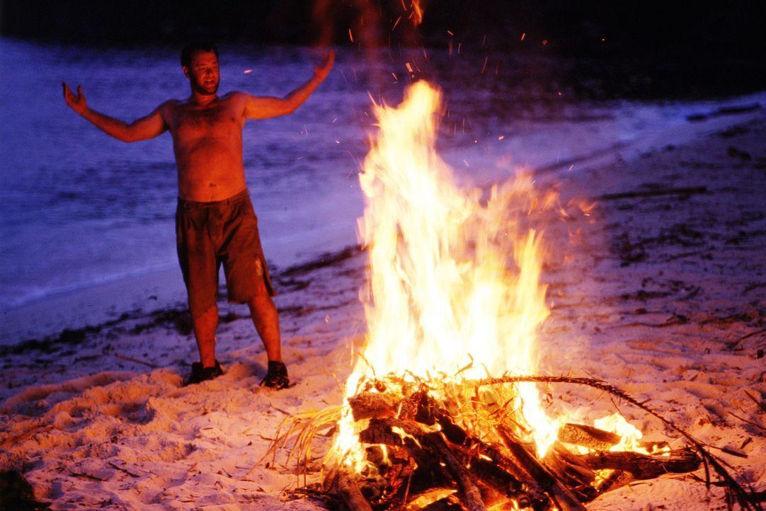 Zurück zur Natur: Chuck Noland (Tom Hanks) ... - Bildquelle: Francois Duhamel 2001 Twentieth Century Fox Film Corporation and Dreamworks LLC. All rights reserved