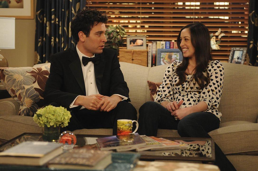 Ted (Josh Radnor, l.) muss sich eingestehen, dass er jemanden am Haken hat: Henrietta (Catherine Reitman, r.), die sich eine Zukunft mit ihm erhofft... - Bildquelle: 20th Century Fox International Television
