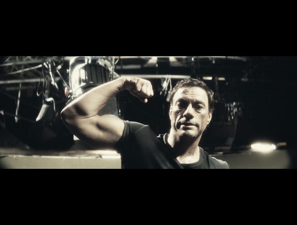 J.C.V.D. (Jean-Claude Van Damme) reicht es! Seine Tochter schämt sich für ihn, seine Exfrau findet, er besitze nicht genügend Vater-Qualitäten,... - Bildquelle: 2008 Samsa Film & Gaumont. All Rights Reserved.