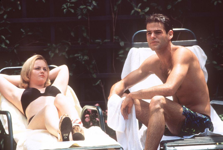 Als Dedee (Christina Ricci, l.) den Freund ihres Stiefbruders, Matt (Ivan Sergei, r.), kennen lernt, ist es um sie geschehen. Den - und keinen ander... - Bildquelle: Columbia TriStar Films
