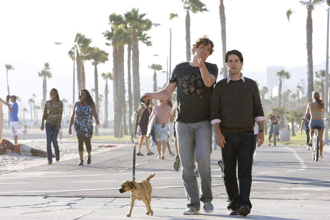 Peter (Paul Rudd, r.) und Sidney (Jason Segel, l.) verstehen sich auf Anhieb gut, doch schon bald wird ihre Freundschaft so eng, dass sie sogar zur... - Bildquelle: (2009) DW STUDIOS L.L.C. ALL RIGHTS RESERVED
