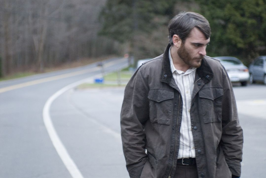 Auf dem Heimweg von einem Konzert wird Ethans (Joaquin Phoenix) Sohn an einem Rastplatz überfahren, der Unfallfahrer flüchtet sofort. Der College-... - Bildquelle: TOBIS Film