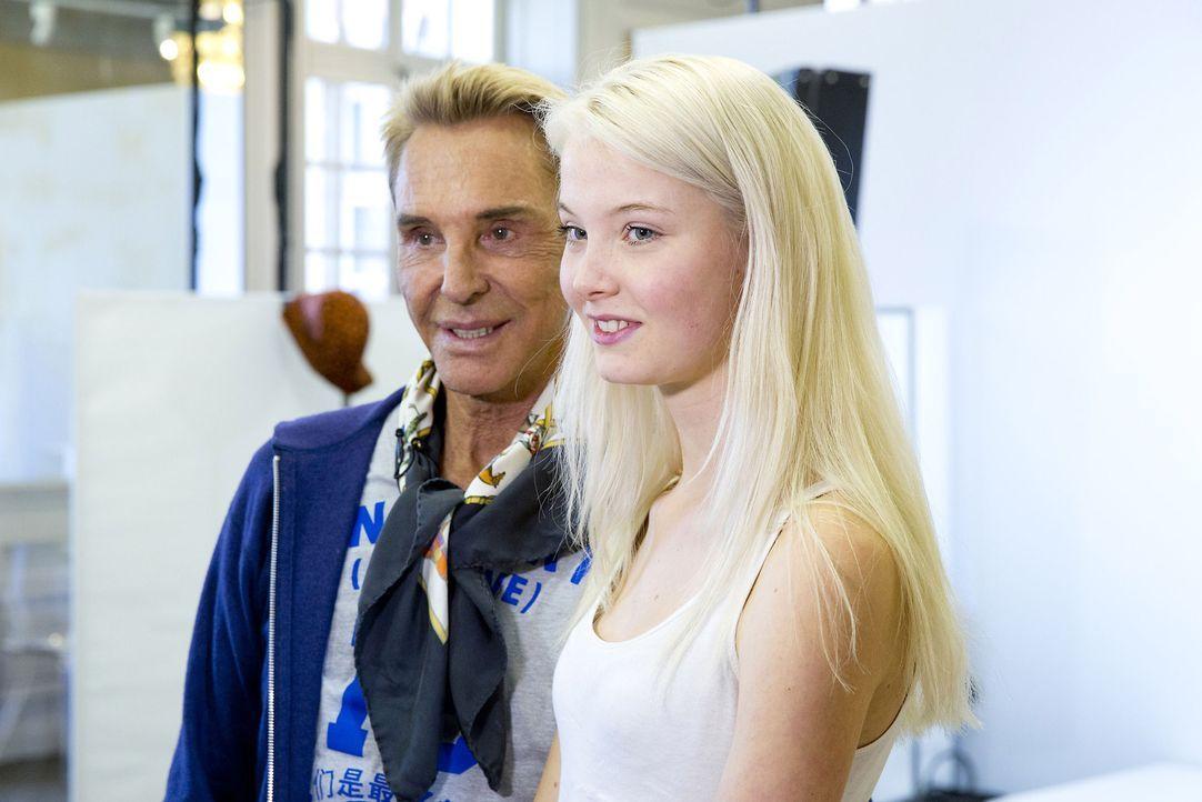GNTM-Stf10-Epi14-Fashion-Week-Paris-028-Katharina-ProSieben-Richard-Huebner - Bildquelle: ProSieben/Richard Huebner