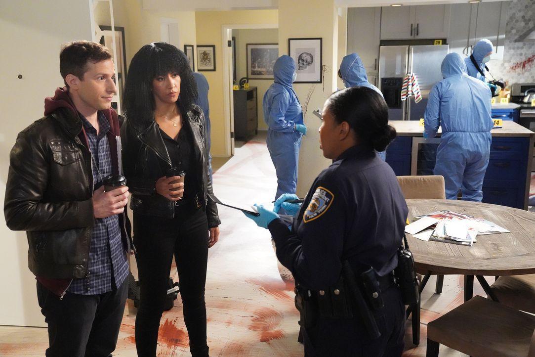 Jake Peralta (Andy Samberg, l.); Rosa Diaz (Stephanie Beatriz, r.) - Bildquelle: Evans Vestal Ward 2019 UNIVERSAL TELEVISION LLC. All rights reserved. / Evans Vestal Ward