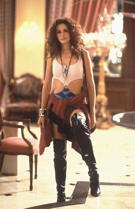 Auf die Prostituierte Vivian (Julia Roberts) wartet eine äußerst ungewöhnliche Romanze ... - Bildquelle: Touchstone Pictures. All Rights Reserved.