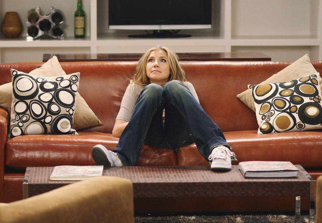 Fühlt sich wohl in der neuen Wohnung: Elliot (Sarah Chalke) ... - Bildquelle: Touchstone Television