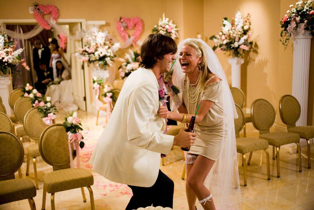 (v.l.n.r.) Jack Fuller (Ashton Kutcher); Joy McNally (Cameron Diaz) - Bildquelle: 2008 Twentieth Century Fox Film Corporation.  All rights reserved.