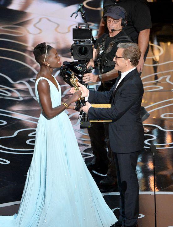 Lupita Nyong'o mit Oscar - Bildquelle: getty AFP