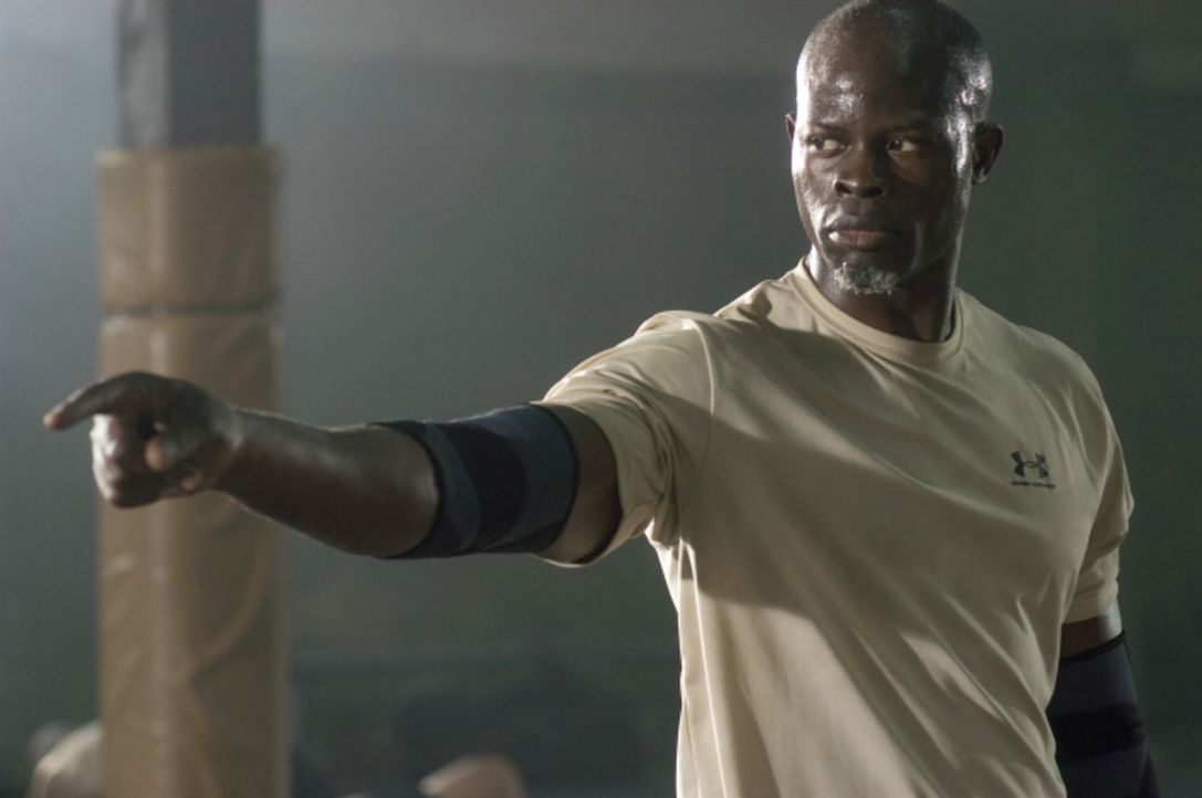 Nur ungern nimmt Free Fight-Coach Jean Roqua (Djimon Hounsou) Jake in sein Team auf, denn der Teenager muss erst lernen, dass Free Fight ein Sport m... - Bildquelle: 2008 Summit Entertainnment N.V.  All rights reserved.