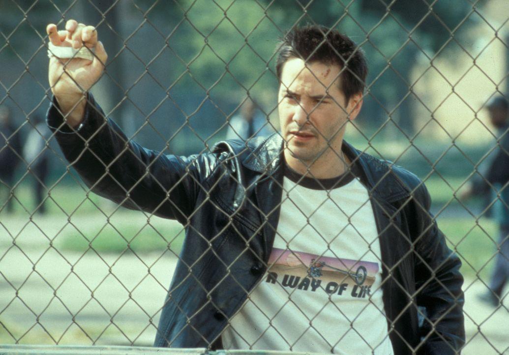 Um seine Wettschulden zu decken, soll Tickethehler Conor O'Neill (Keanu Reeves) Coach eines Kinderbaseballteams werden. Doch dazu hat er gar keine L... - Bildquelle: Paramount Pictures